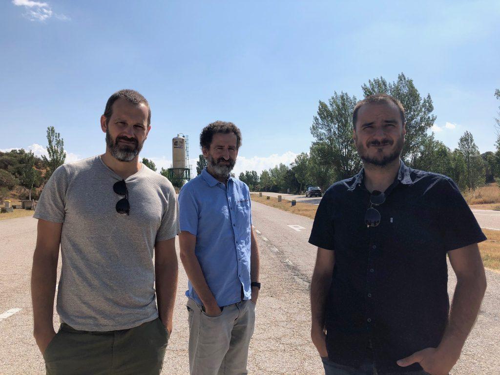 Trio de realizadores de 'La Trinchera Infinita'